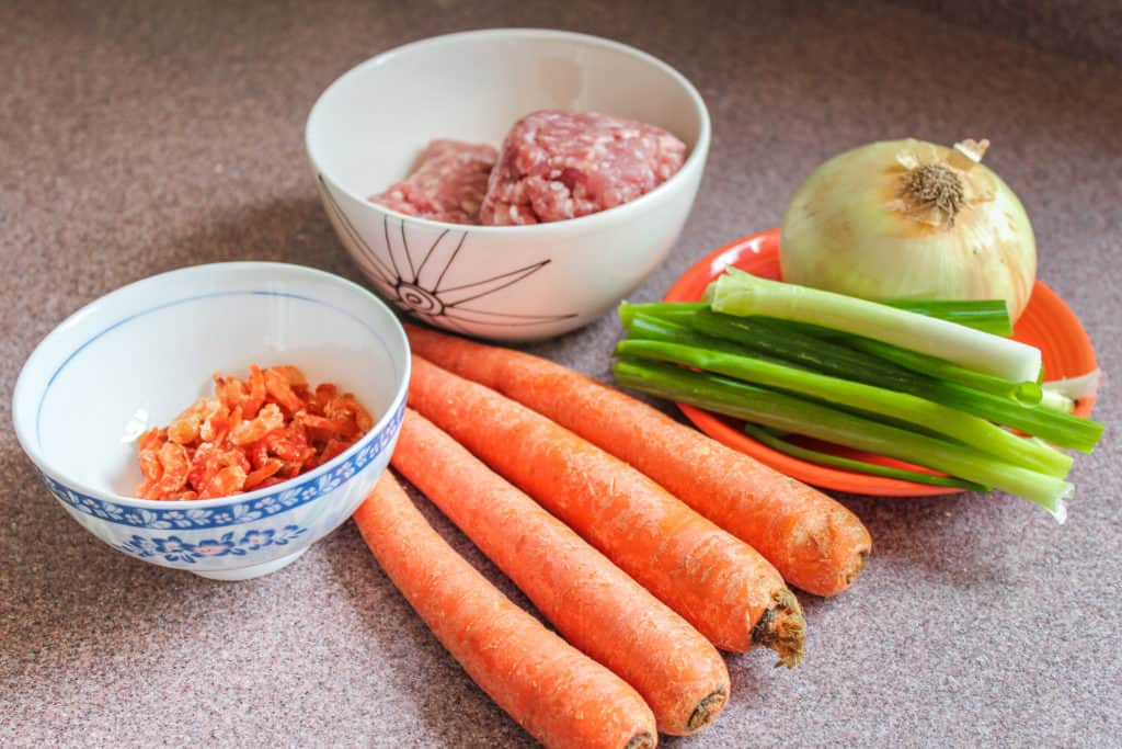 Ingredients for bánh đúc mặn topping