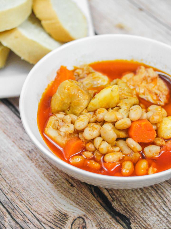 gà nấu đậu Vietnamese Chicken and Bean Stew